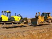 Batalha épica entre bulldozer russo e bulldozer norte-americano
