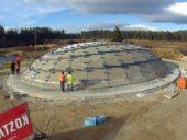Construção de uma cúpula de betão com 80 toneladas recorrendo a uma câmara pneumática