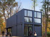 Imagem do dia: Edifício construído com contentores em apenas meio dia