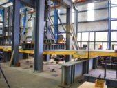 Ensaio de uma laje mista de madeira e betão no laboratório de estruturas da OSU