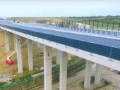 A ponte que estica como um fio de contas